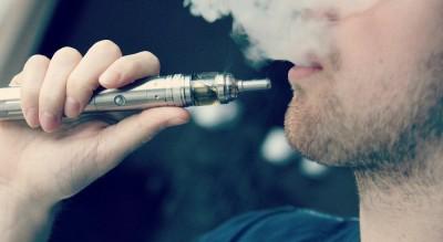 E-Cigarette-Electronic_Cigarette-E-Cigs-E-Liquid-Vaping-Cloud_Chasing_16323004716_r900x493